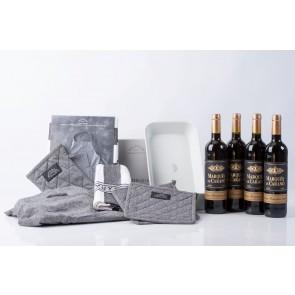 Pillivuyt stegefad, tekstilsæt og 4 fl. rødvin